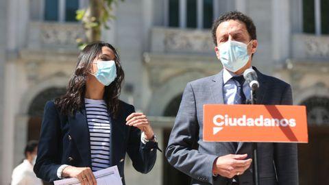 Inés Arrimadas y Edmundo Bal tras presentar un recurso en el Supremo contra los indultos a los presos independentistas