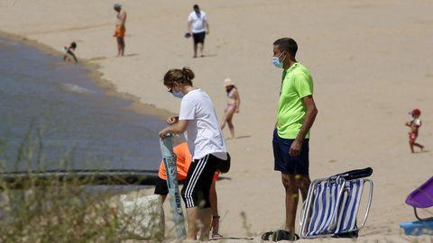 Imagen de la playa de Cabío de A Pobra, concello en el que se ha detectado un positivo tras varias mas de una semana sin ninguno