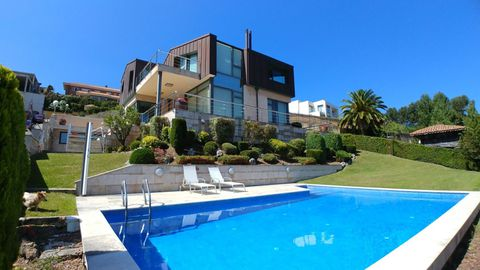 Vivienda unifamiliar en venta por 1.400.000 euros en Luanco a través del portal inmobiliario Idealista