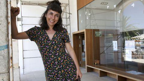 Sofía Piñeiro, en el exterior de la oficina de atención al peregrino