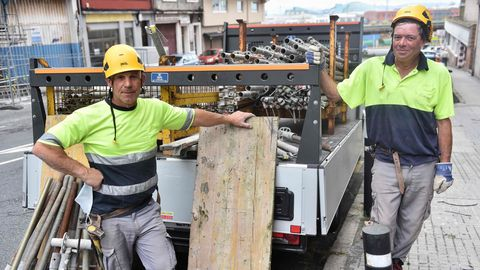 Operarios con la cara destapada en A Coruña
