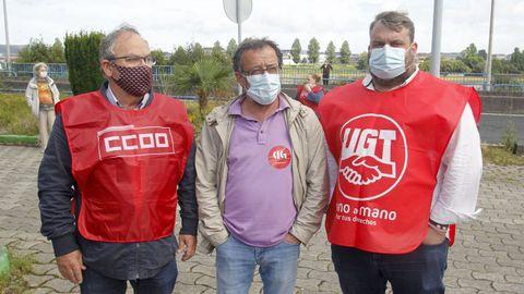José Hurtado (CC.OO), Manel Grandal (CIG) y Antonio Díaz (UGT)