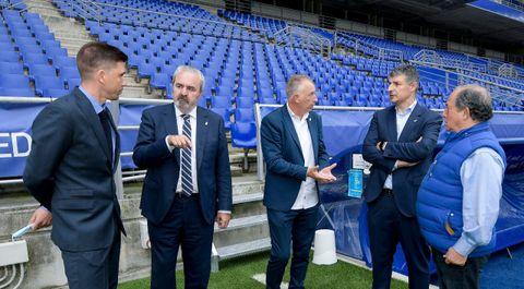 Rubén Reyes, Manuel Paredes, Antonio Rivas, César Martín y Federico González, en el Carlos Tartiere