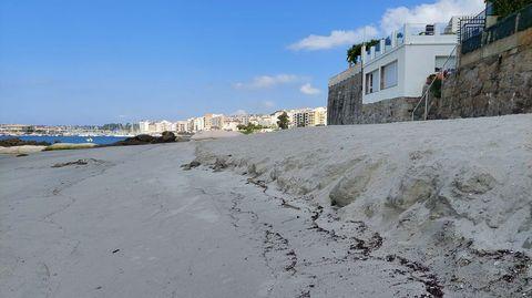 El arrastre de arena se nota menos según su cercanía a la barrera de geotubos