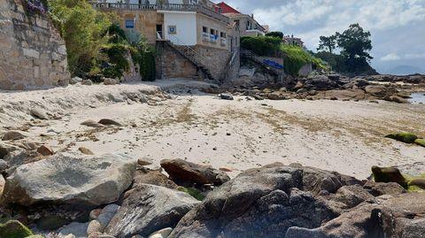 Los vecinos esperaban un tratamiento más contundente con arena en este extremo de la playa