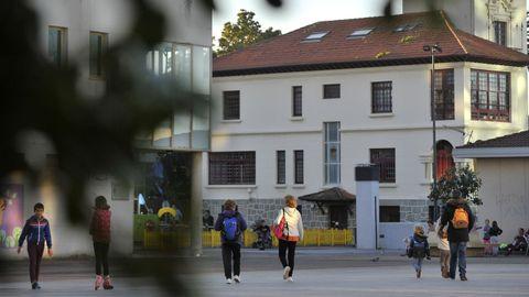 La concentración silenciosa se desarrollará en la plaza de Galicia de Narón (en la imagen)