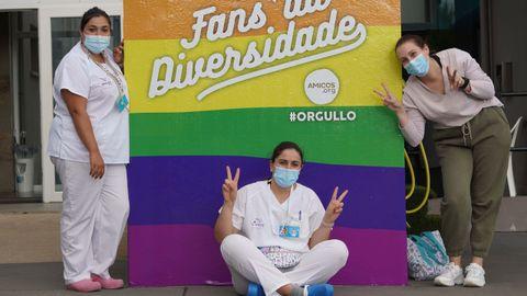 ¡Mira las fotos del Día del Orgullo LGBTIQ+ en Barbanza!.Los usuarios de Amicos se sumaron a las celebraciones haciéndose fotos junto a su muro de la diversidad