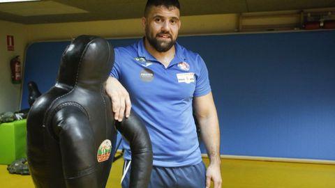 José Cuba fue 16 veces campeón de España de Lucha Olímpica y sigue entrenando