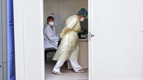 Los cribados con PCR a jóvenes de Pontevedra se están haciendo en el punto covid del Hospital Provincial de Pontevedra