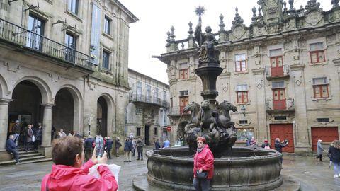 Fuente de los Caballos, en la plaza de Platerías.