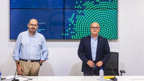 Andrés Mazaira y José Manuel Baltar, en la presentación del último estudio del Observatorio Económico Ourensán
