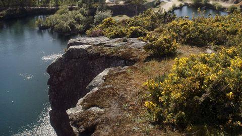 Vista molinos de viento en Catoira