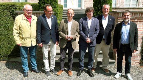 Lluis Puig, Josep Rull, Jordi Turull, Carles Puigdemont, Joaquim Forn y Jordi Sànchez, este viernes en Waterloo