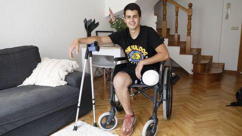 Álvaro Santalla regresó el pasado viernes a su casa, en Baiona.