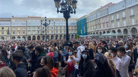Miles de personas se concentran en María Pita, A Coruña