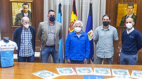 La prueba fue presentada en el pazo provincial por varios representantes políticos e institucionales