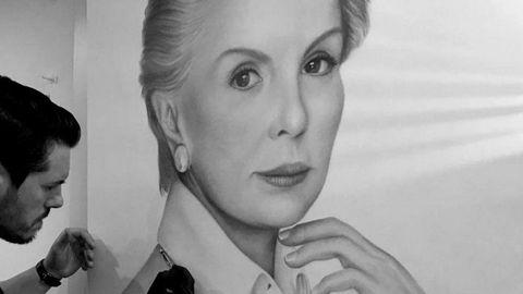 Su retrato de Carolina Herrera dio lugar al inicio de la colección Musas, sobre mujeres referentes por su trayectoria profesional.