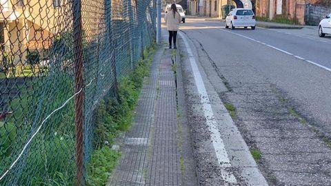 La carretera PO-546, a su paso por Estribela, en Pontevedra