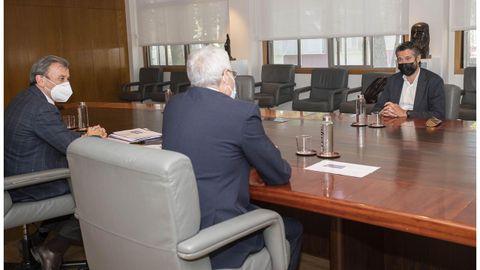 El alcalde de Vilagarcía se reunió con el presidente de Renfe y el director de Alta Velocidad