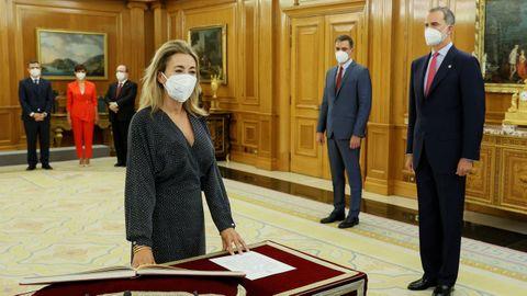 La nueva ministra de Transportes, Movilidad y Agenda Urbana, Raquel Sánchez, promete su cargo