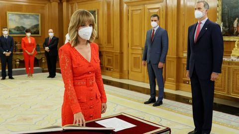 La nueva ministra de Educación y Formación Profesional , Pilar Alegría, promete su cargo
