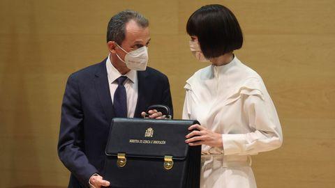 Pedro Duque le entrega la cartera de Ciencia e Innovación a la nueva ministra, Diana Morant