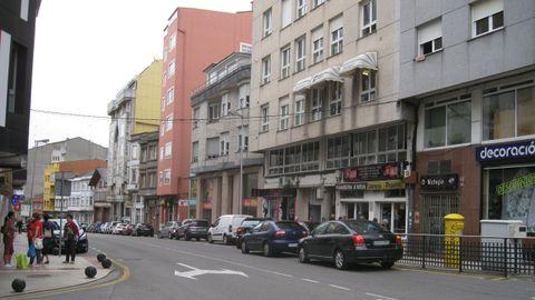 Vista de la calle Plácido Peña, en la que se renovará el alumbrado