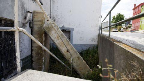 A comienzos de julio aparecieron bloqueadas con grandes bloques de hormigón las entradas de la vivienda que había sido okupada en mayo