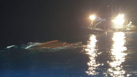 Barco Maremi, volcado en Santander