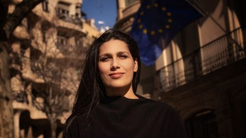 Rachele Arciulo (Italia, 1 de julio de 1993) tiene como objetivo Europa, fortalecer sus pilares y reformarla. Esta politóloga se define como feminista y activista por una Europa más «igualitaria, verde y digital».