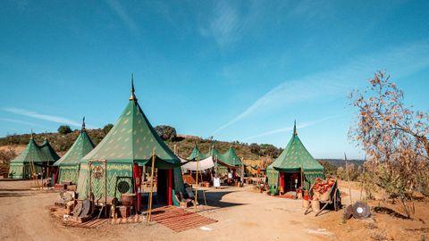 Uno de los tres poblados que tiene el parque