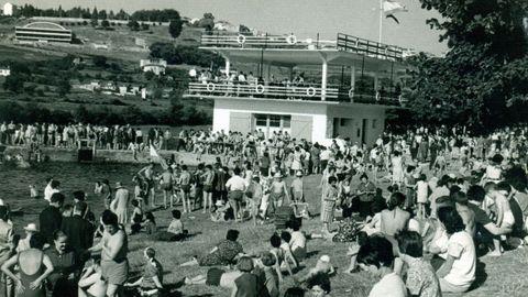 El Fluvial en la década de los 60. Al fondo se ve el pabellón municipal, ya construído