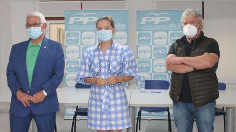 Los concejales populares Agustín Baamonde, Sandra Vázquez y Amador Guerra (de izquierda a derecha) hicieron balance de los dos años de gobierno socialista
