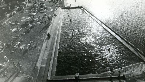 La piscina del Fluvial, junto al caneiro, está ahora en el punto de mira