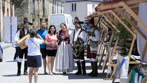 A unión de veciños e peregrinos na primeira edición da Festa do Peregrino