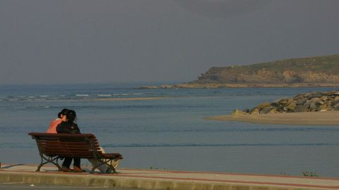 Tupide en Foz con vistas a la playa de Altar  y la ría focense