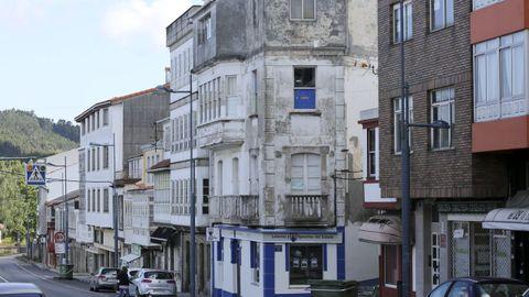 El fallecido vivía solo en uno de los pisos de un edificio de la avenida de Xuvia que está deshabitado
