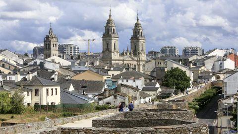 Vista de las torres de la Catedral desde la Muralla de Lugo