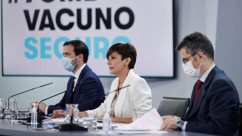 La ministra de Política Territorial y portavoz del Gobierno, Isabel Rodríguez; el ministro de la Presidencia, Félix Bolaños y el Consumo, Alberto Garzón, en el Consejo de Ministros