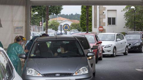 Afluencia a los cribados y pruebas para detectar covid en Santiago