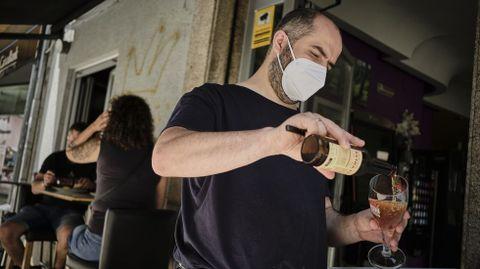 En el bar Alborada recibieron las nuevas restricciones con alegría por la reapertura del interior.