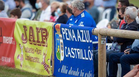 Una bandera de la Peña Azul Castrillón en la banda de El Pardo