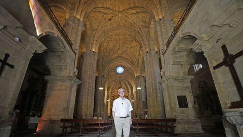 Xosé Xulio foi párroco de Santo Estevo ata o 1999 e desde o 2019, cando volveu tras 20 anos fora.