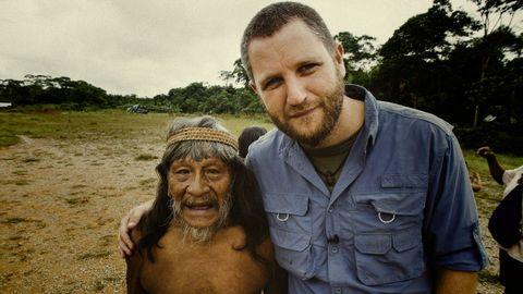 David Beriain con un indígena yasuní en Ecuador.David Beriain con un indígena yasuní en Ecuador