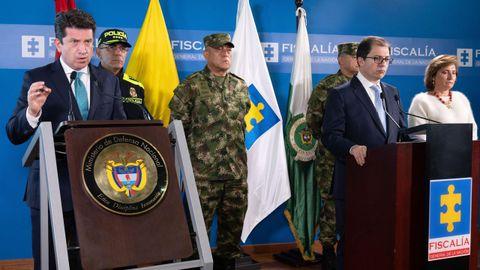 El ministro de Defensa de Colombia, Diego Molano, y el fiscal general, Francisco Barbosa, en la rueda de prensa de hoy