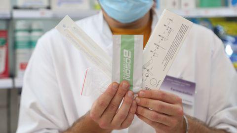 Los tests de antígenos comienzan a comercializarse en las farmacias sin receta