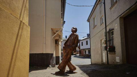 A escultura de Florencio Delgado percorrerá todos os lugares polos que pasou o poeta.
