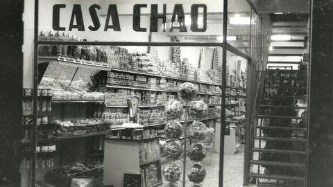 Imagen antigua de los años 60, cuando se transformó en supermercado
