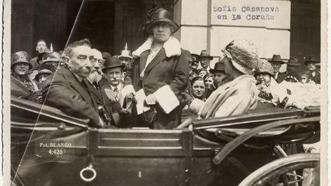 Dos Xogos Florais, á Cova Céltica e Cerámicas do Castro: o encontro literario naceu na Coruña en 1861. No 1893, galeguistas e intelectuais comezaron a reunirse nun faladoiro no que tamén interveu Sofía Casanova. Xa no século XX, na posguerra, xunto á Coruña, Sada alumeou o que sería o novo Sargadelos