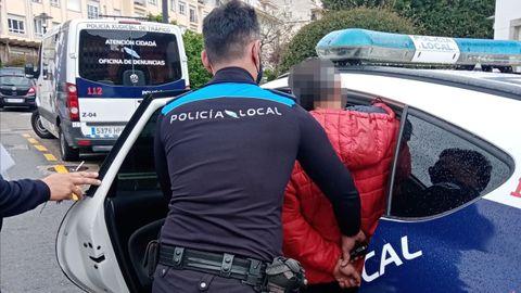 Detención en Poio a cargo de la Policía Local del municipio